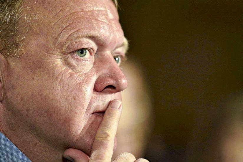 Lars Løkke: Nedlukningen af et samfund har en pris...
