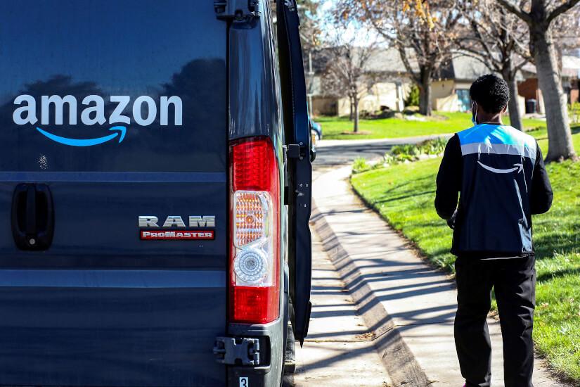 Amazon_bil_og_ansat_Kevin_Mohatt_Reuters_Ritzau_Scanpix
