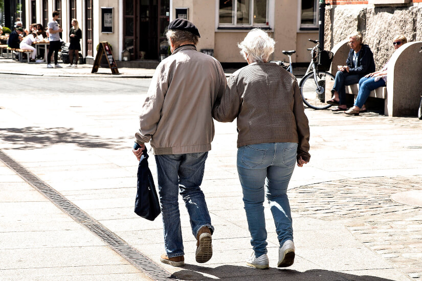 Pensionistpar_arm_i_arm_Henning_Bagger_Ritzau_Scanpix_1650_px