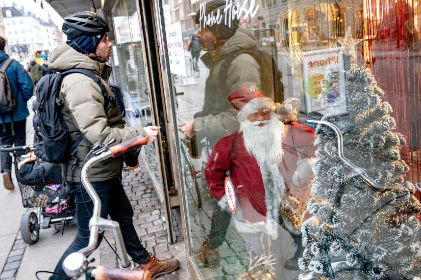 Julepyntet_butik_kunde_Celina_Dahl_Ritzau_Scanpix