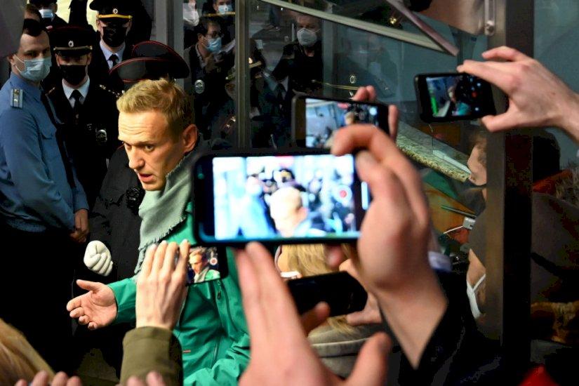 Putin-kritikeren Navalnyj er anholdt kort efter hjemkomst