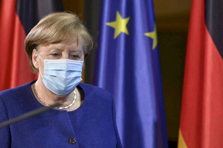 Merkel vil have vaccinepas til EU-rejser om tre måneder