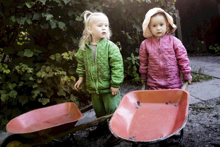 Enhedslisten: Kommuner skal uddanne pædagogmedhjælpere