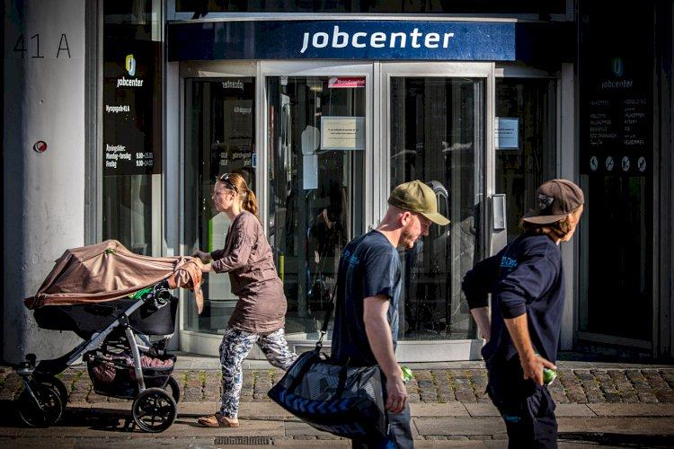 FotoBenteJ__ger--23_jobcenter_barnevogn__2_